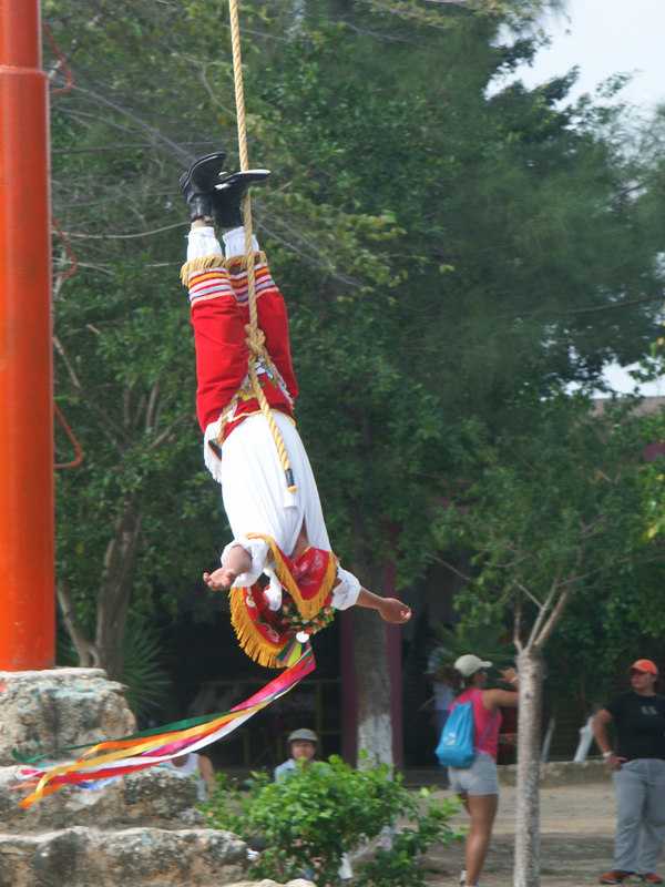<b>Another view of descending Mayan performer</b>   (Dec 30, 2002, 10:47am)