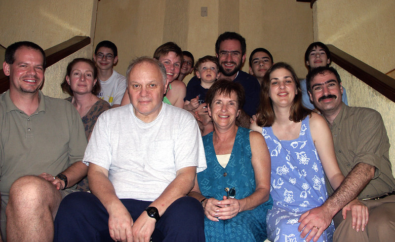 <b>The Gould clan family picture</b>   (Dec 31, 2002, 06:12pm)