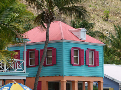 More colorful buildings of Soper's Hole   (Jul 01, 2002, 01:17pm)