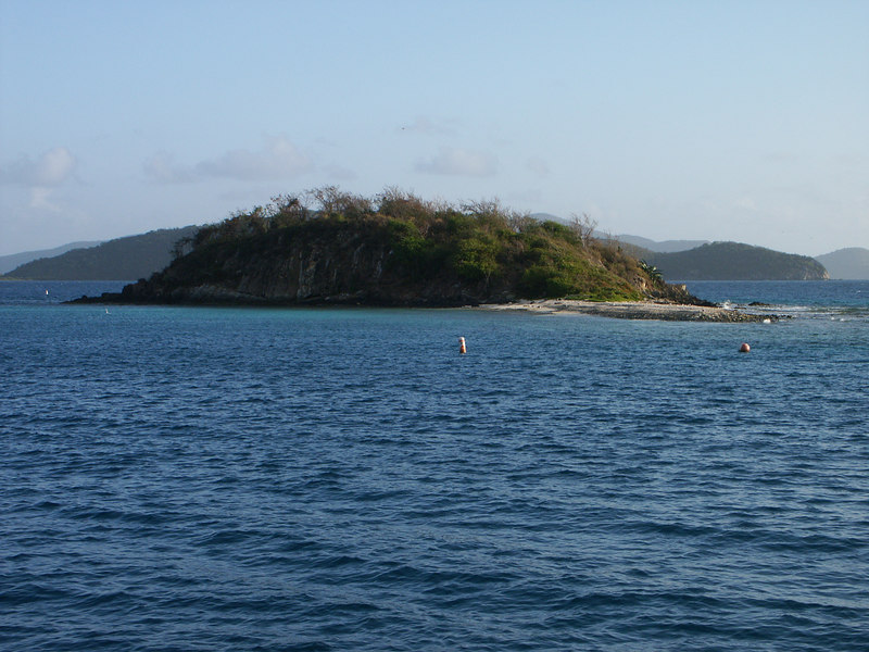 <b>Waterlemon Cay seen from the south</b>   (Jul 01, 2002, 06:50am)