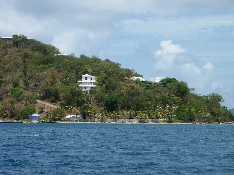 <b>Frenchman's Cay heading into Soper's hole</b>   (Jul 01, 2002, 12:46pm)