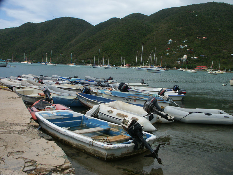 <b>Dingy dock in Coral Bay</b>   (Jul 01, 2002, 09:41am)
