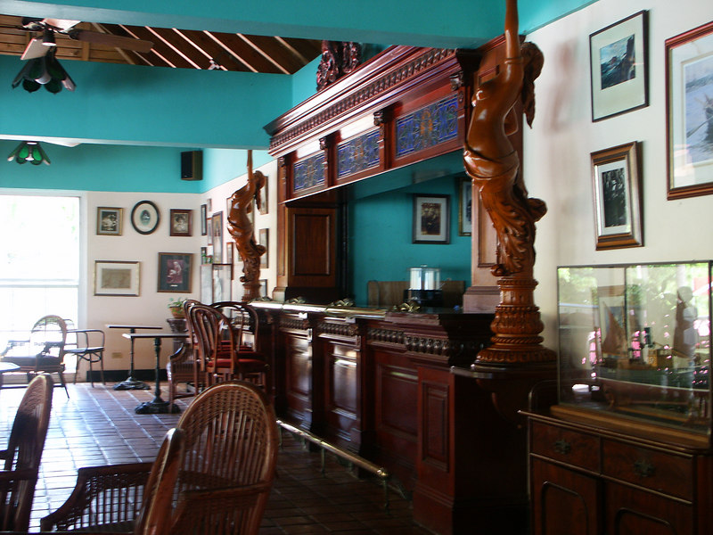 <b>Bar on top floor of Pusser's Landing</b>   (Jul 01, 2002, 01:34pm)