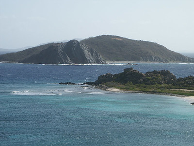 Dead Chest Island seen from Peter Island   (Jul 03, 2002, 08:56am)