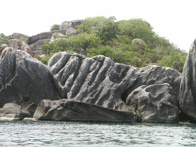 Rock formations on Virgin Gorda coast   (Jul 04, 2002, 10:24am)