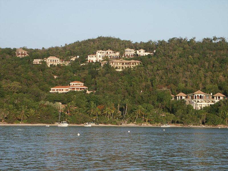 <b>Beautiful homes overlooking Cinnamon Bay</b>   (Jul 05, 2002, 06:24am)