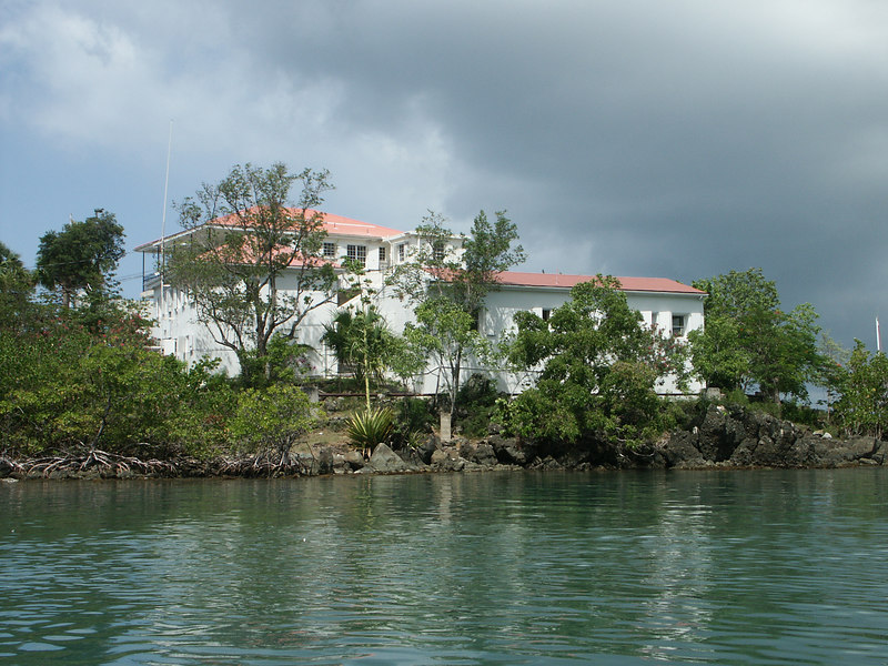 <b>The Battery in Cruz Bay Harbor</b>   (Jul 05, 2002, 10:17am)