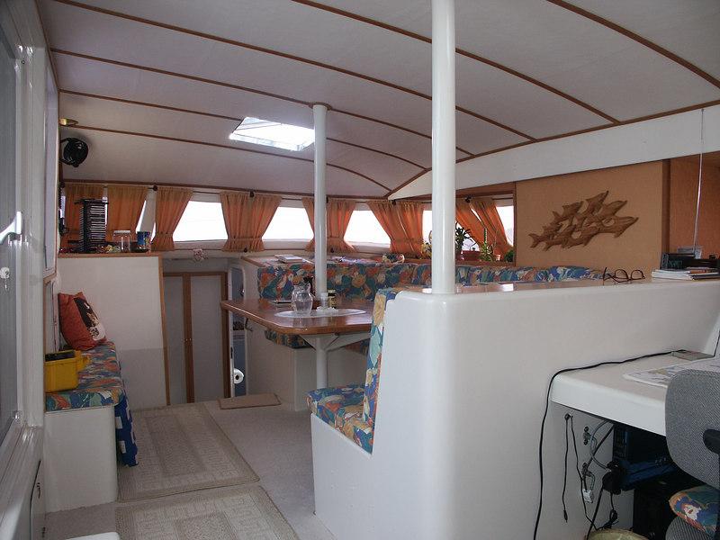<b>Inside the main cabin of Cat-Maudy</b>   (Jul 05, 2002, 07:04am)
