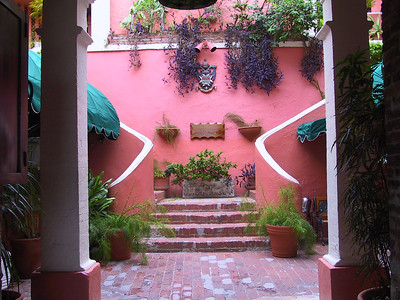 Bottom of inner courtyard of 1829 Hotel   (Jun 29, 2002, 07:22am)
