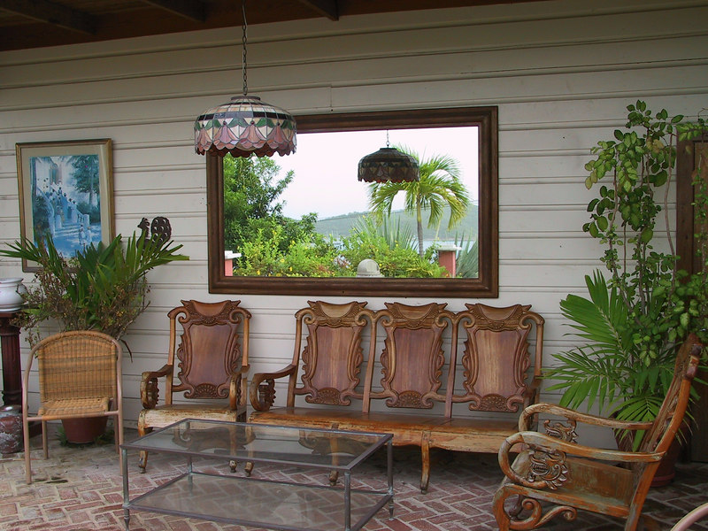 <b>View of ocean in mirror and wall of patio at 18</b>   (Jun 29, 2002, 07:33am)