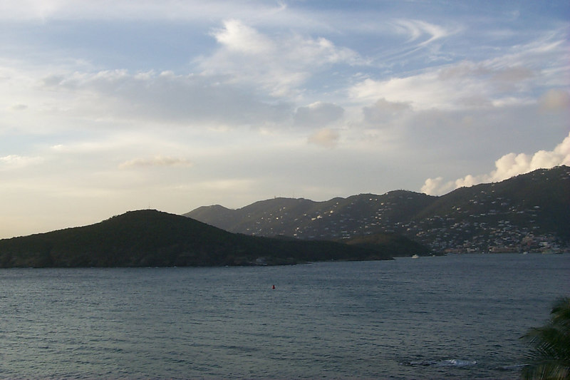 <b>Charlotte Amalie from Frenchmans Reef4</b>   (Dec 24, 2000, 05:14pm)