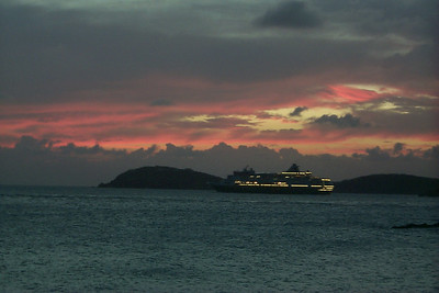Cruise Ship Leaving Into the Sunset   (Dec 24, 2000, 06:01pm)