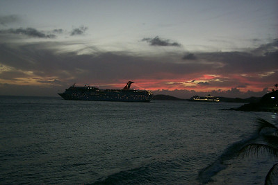 Nightly Procession of Cruise Ships   (Dec 24, 2000, 06:01pm)