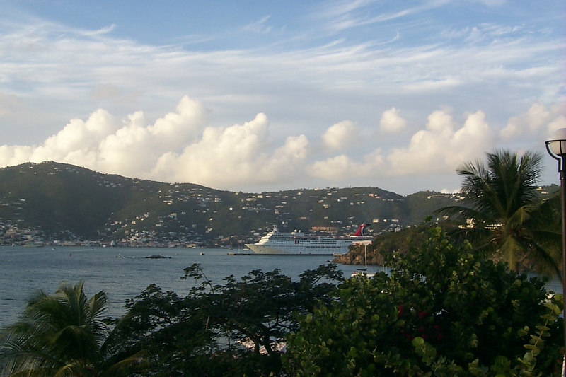 <b>Charlotte Amalie from Frenchmans Reef1</b>   (Dec 24, 2000, 05:13pm)