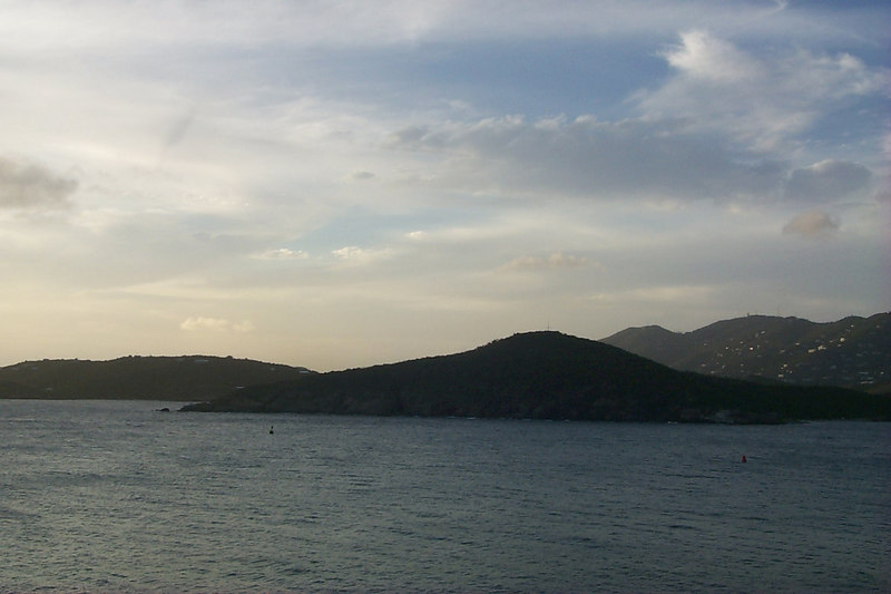 <b>Charlotte Amalie from Frenchmans Reef5</b>   (Dec 24, 2000, 05:14pm)