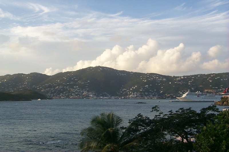 <b>Charlotte Amalie from Frenchmans Reef2</b>   (Dec 24, 2000, 05:13pm)