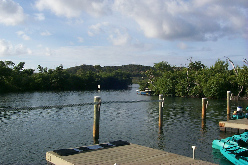 <b>Kayak Docks at the Marine Sanctuary</b>   (Dec 25, 2000, 08:35am)