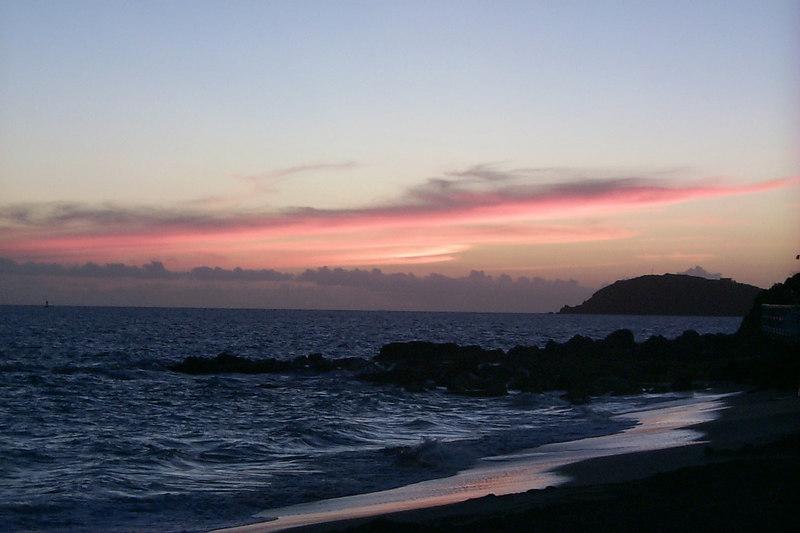 <b>Christmas Sunset from Caesers</b>   (Dec 25, 2000, 06:03pm)