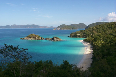 Trunk Bay Before the Crowds   (Dec 26, 2000, 10:03am)