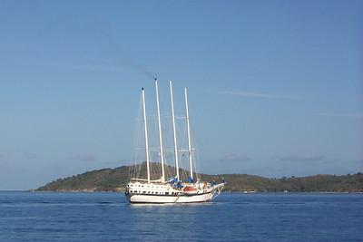 Sailing Cruise Ship   (Dec 26, 2000, 09:18am)