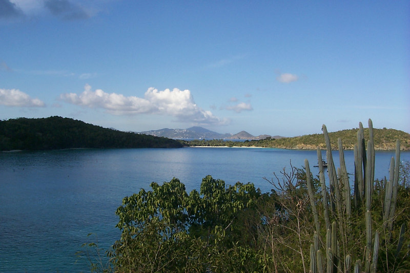 <b>St Thomas Seen from Hawk Nest Bay</b>   (Dec 26, 2000, 10:01am)