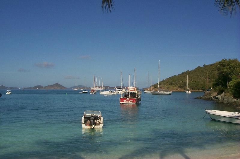 <b>Looking out Cruz Bay</b>   (Dec 26, 2000, 09:43am)