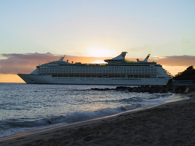 Cruise Ships Leaving at Sunset   (Dec 27, 2000, 05:40pm)