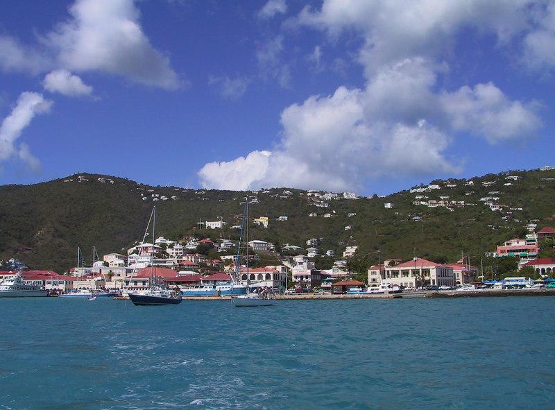 <b>Sharlotte Amalie from Hotel Ferry</b>   (Dec 27, 2000, 01:03pm)