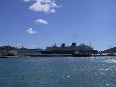 Disney Magic in Charlotte Amalie Harbour   (Dec 27, 2000, 12:59pm)