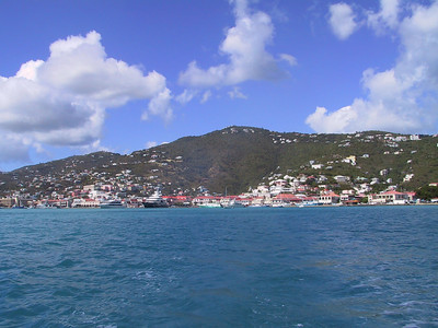 Charlotte Amalie from Hotel Ferry   (Dec 27, 2000, 01:04pm)