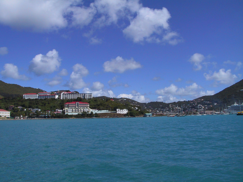 <b>Charlotte Amalie Harbour</b>   (Dec 27, 2000, 01:03pm)
