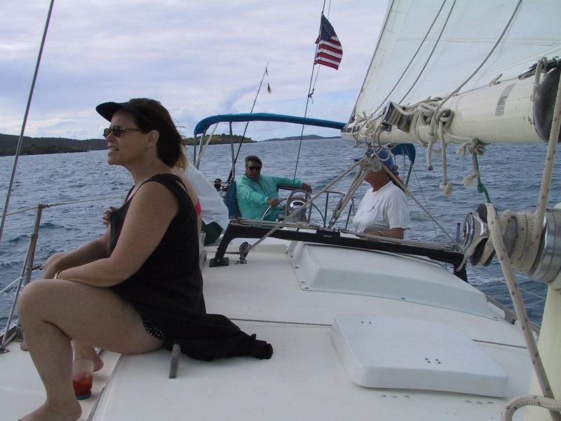 <b>The Captain Looks Comfy</b>   (Dec 28, 2000, 10:41am)