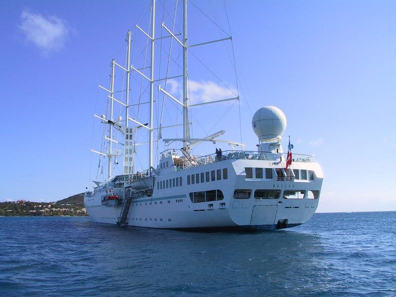 <b>Cruise Ship</b>   (Dec 28, 2000, 02:49pm)