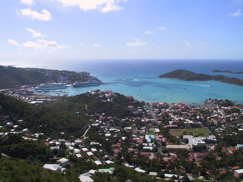 <b>Charlotte Amalie Harbor</b>   (Dec 29, 2000, 11:07am)