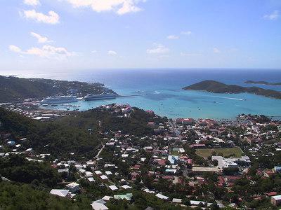 Charlotte Amalie Harbor   (Dec 29, 2000, 11:07am)