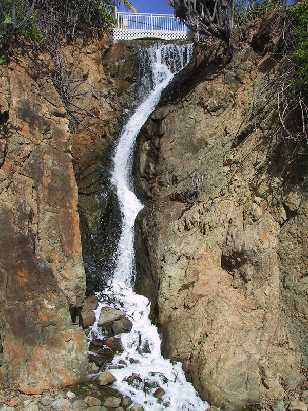 <b>Waterfall at Frenchmans Reef</b>   (Dec 29, 2000, 01:33pm)