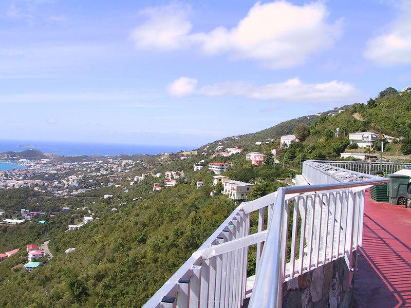 <b>Charlotte Amalie5</b>   (Dec 29, 2000, 11:07am)