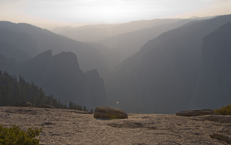 <b>Yosemite Valley at sunset from Sentinel Dome</b>   (Sep 16, 2007, 05:20pm)