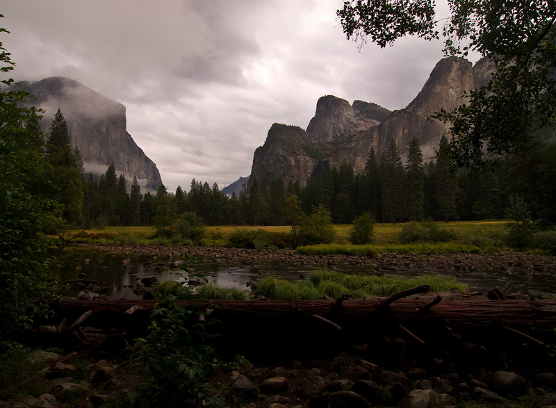 <b>Yosemite Valley from Valley View</b>   (Sep 22, 2007, 07:55am)