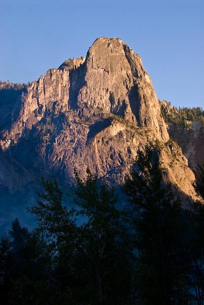 <b>Cathedral Rock near sunset</b>   (Sep 18, 2007, 05:39pm)