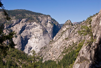 Sierra Point and Merced River valley   (Sep 17, 2007, 10:19am)