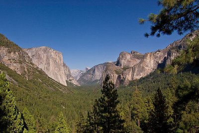 Yosemite Valley from Tunnel View   (Sep 15, 2007, 03:05pm)