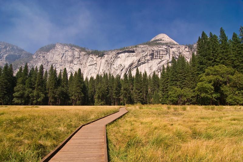 <b>Boardwalk across Yosemite Valley meadow</b>   (Sep 18, 2007, 01:18pm)