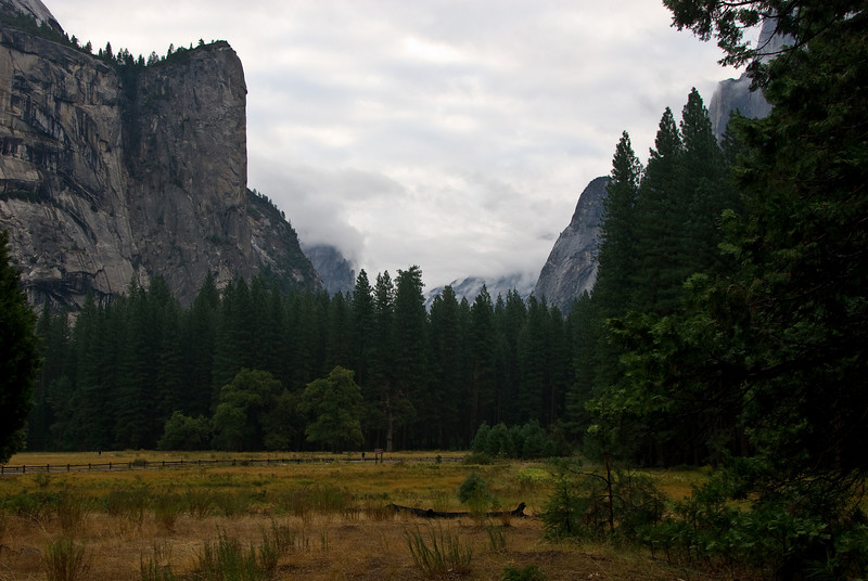 <b>Washington Column over Yosemite meadows</b>   (Sep 22, 2007, 06:28am)  Looking towards Mirror Lake