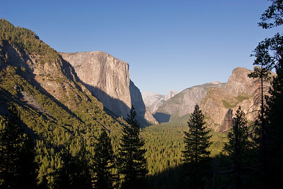 Yosemite Valley from Tunnel View   (Sep 15, 2007, 05:11pm)