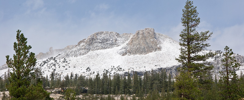<b>Peaks along the Tioga Road</b>   (Sep 20, 2007, 09:53am)  West of Tuolumne Meadows