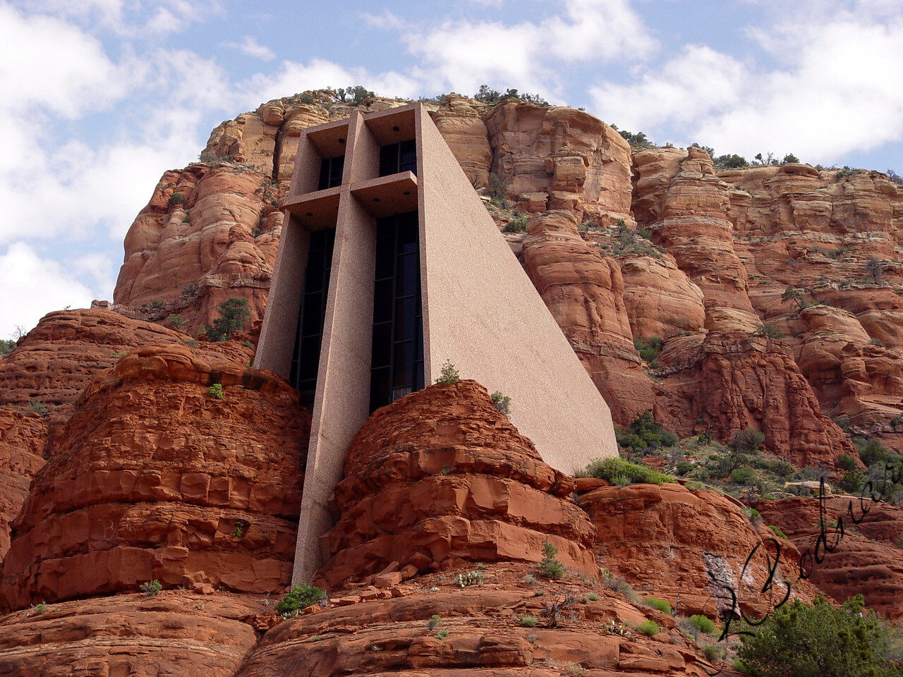 Photo By Robert Bodnar...........................................Chapel in The Rocks, Sedona AZ