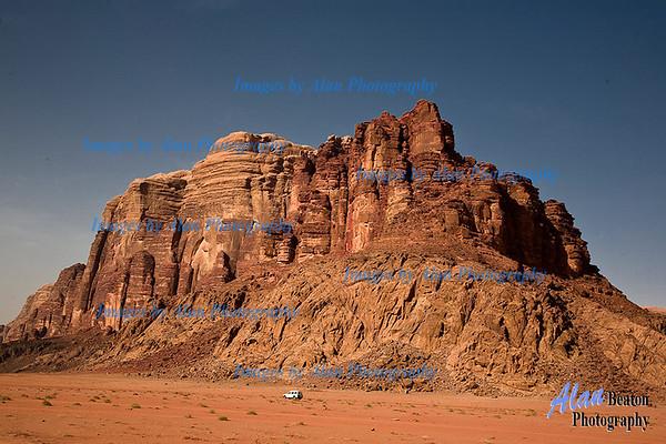 J025 - Crossing the Desert to Wadi Rum
