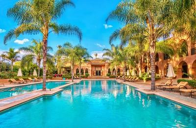 Glamorous swimming pool!