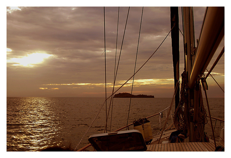 We are ready to sail and the sun is setting in the horizon.